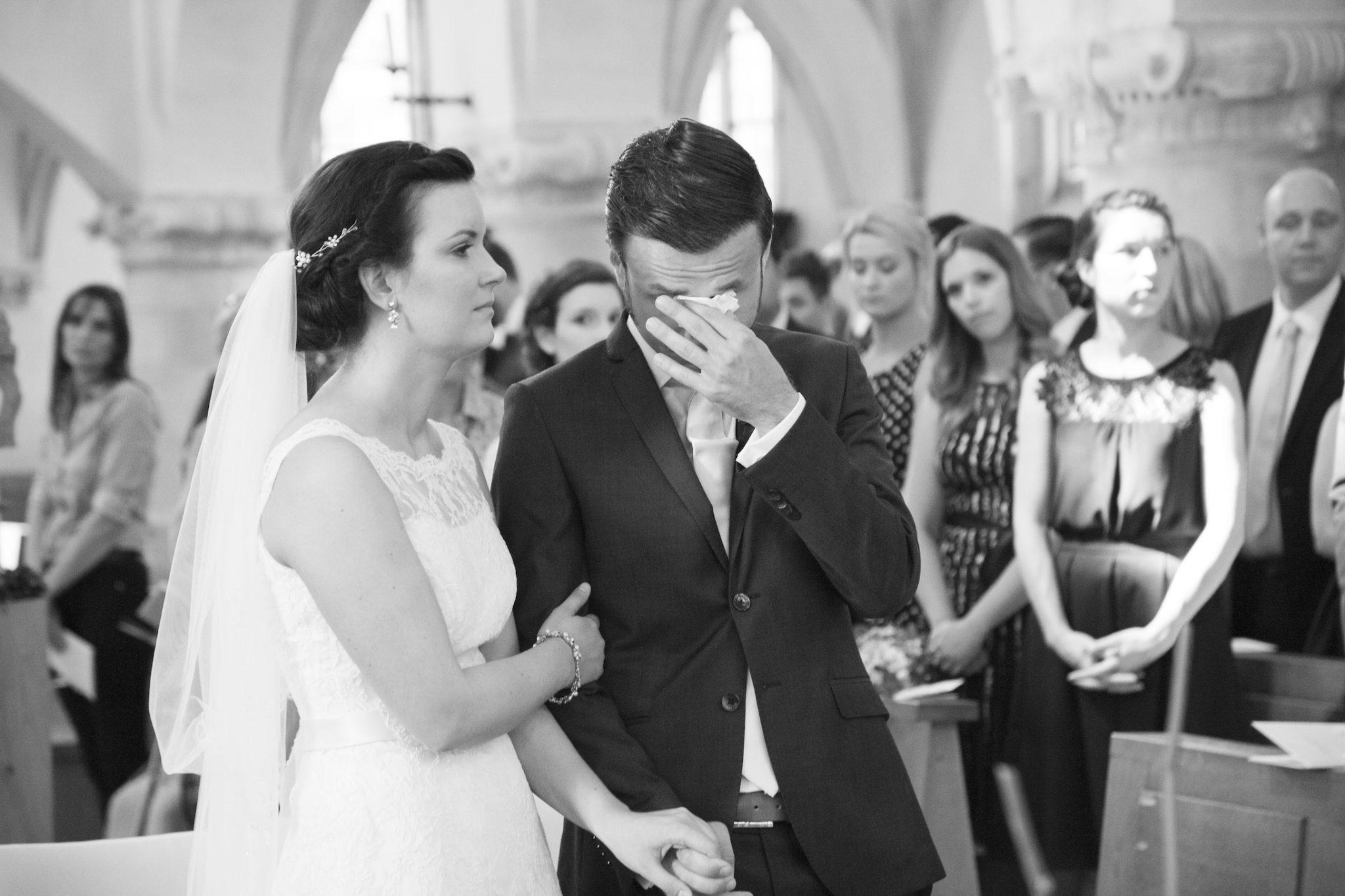 Hochzeit von Laura und Jan in Münster: Bräutigam weint in der Kirche