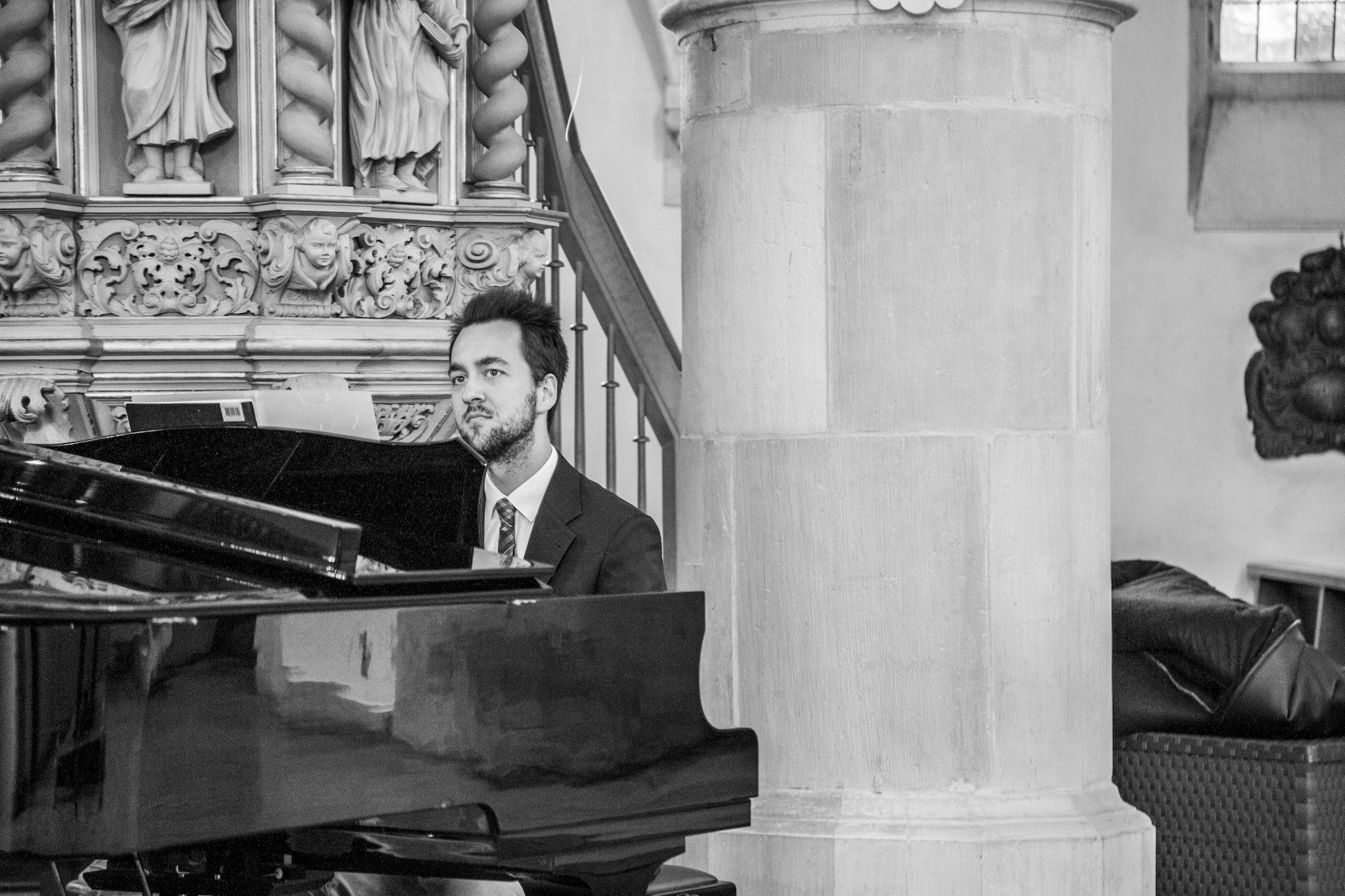 Hochzeit von Laura und Jan in Münster: Pianist spielt in der Kirche