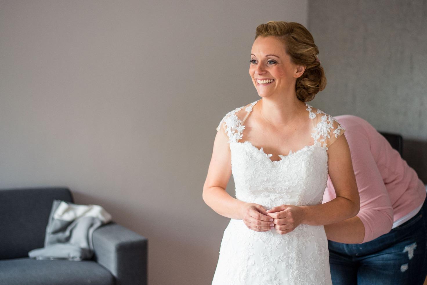 Hochzeit von Sabrina und Michael in Münster: Braut lächelt