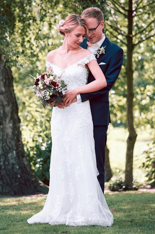 Hochzeitsfotograf Münster - Brautpaar im Wald